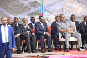 Head of State Felix Antoine Tshisekedi laid the foundation stone for the Kinshasa Cultural Centre on Tuesday, October 15, 2019. This project strengthens the ties of Sino-Congolese cooperation. If the cost of the work is estimated at USD 100 million, the duration of the work is two years. They will be executed by Beijing Urban Construction Group.